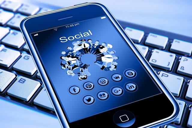 presencia empresas redes sociales