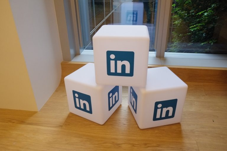 promocionarse-redes-sociales-linkedin